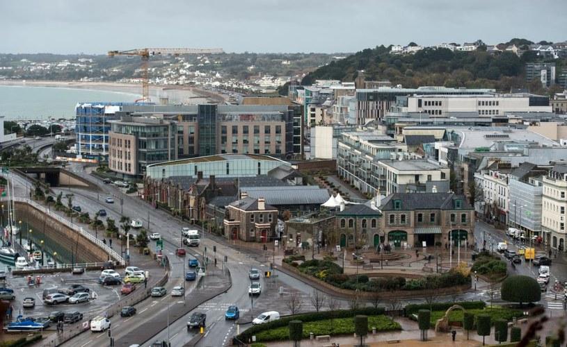 Wyspa Jersey leży na kanale La Manche, rozdzielającym Wielką Brytanię od Francji /Oli Scarff /AFP