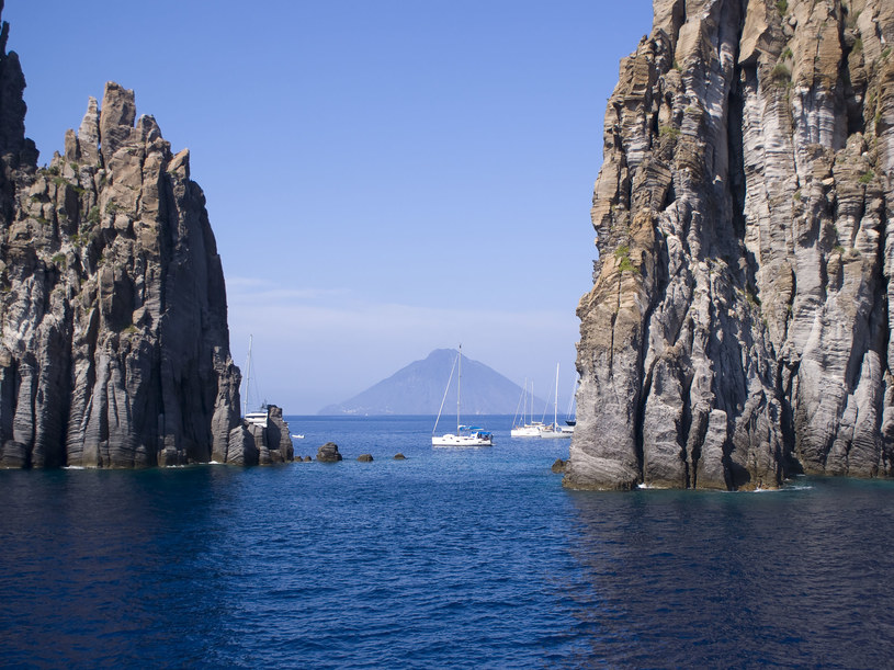 """Wyspa Stromboli jest miejscem """"pielgrzymek seksualnych"""" /123RF/PICSEL"""