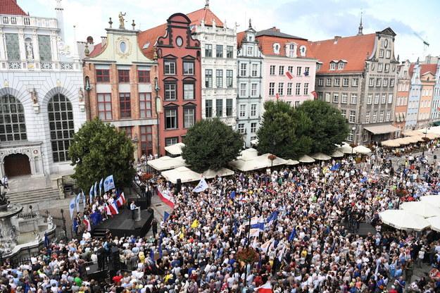Wystąpienie Donalda Tuska na Długim Targu w Gdańsku /Marcin Gadomski /PAP