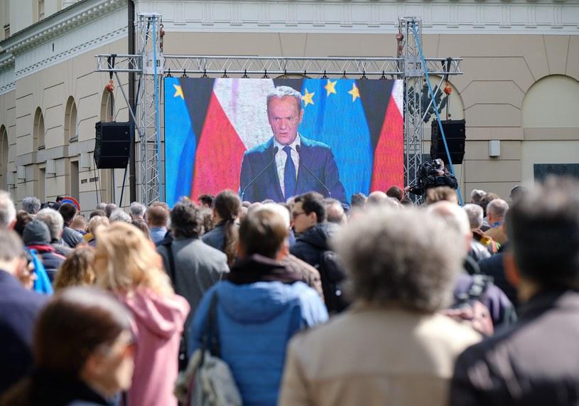Wystąpienie Donalda Tuska przyciągnęło tłumy /Bartosz Krupa / East News /East News