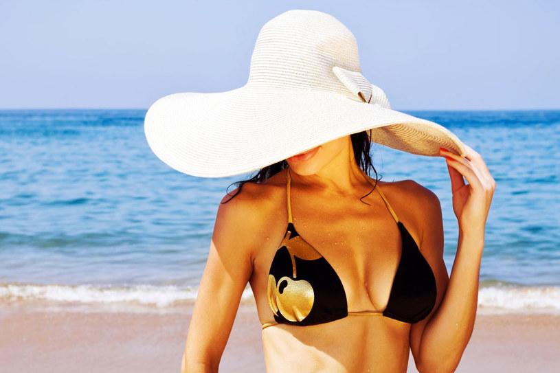 Wystarczą codzienne proste zabiegi, by twoja skóra była gładka i jędrna /123RF/PICSEL