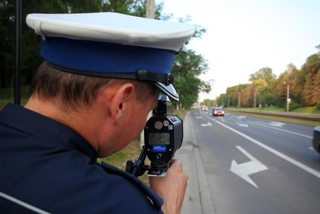 Wystarczy, że policjantowi zadrży ręka... / Fot: Szymon Blik /Reporter