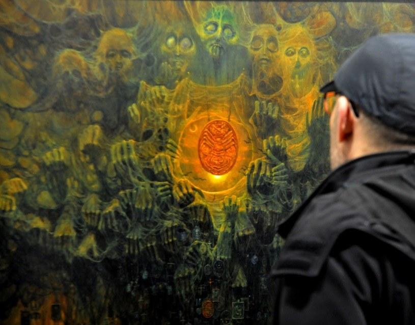 Wystawa prac Zdzisława Beksińskiego w NCK w Krakowie /Marek Lasyk  /Reporter