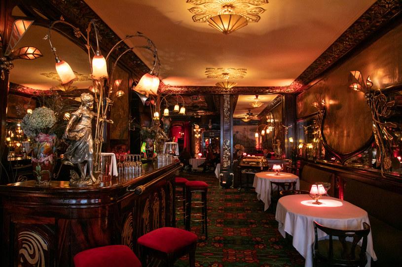 Wystawne kolacje elit w paryskich restauracjach w czasie lockdownu; zdj. ilustracyjne /Marc Piasecki /Getty Images