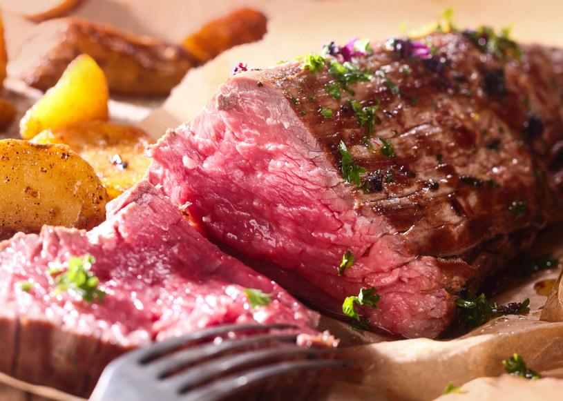 Wystrzegajmy się przetworzonego i czerwonego mięsa /123RF/PICSEL