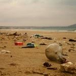 Wysypisko pandemii: 1,5 mld maseczek w oceanach