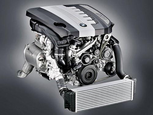 Wytrzymałość wczesnych wersji silnika M57 nie ustępuje legendarnej trwałości 6-cylindrowych diesli Mercedesa z modelu W124. /BMW