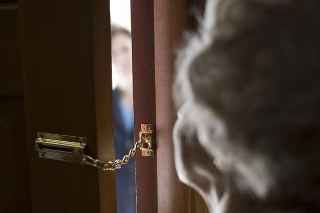 Wywoływanie lęku, presji psychicznej i wprowadzenie w błąd - to główne zarzuty wobec Euro Banku /© Panthermedia