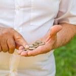 Wyższe zarobki teraz, niższa emerytura w przyszłości - realny scenariusz dla osób wykonujących wolne zawody