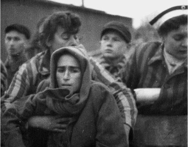Jeden z ocalałych więźniów obozu Auschwitz