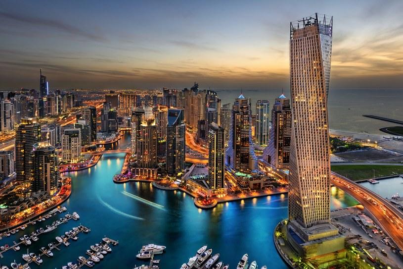 Wzdłuż Mariny Dubai cumowane są luksusowe jachty /materiały prasowe