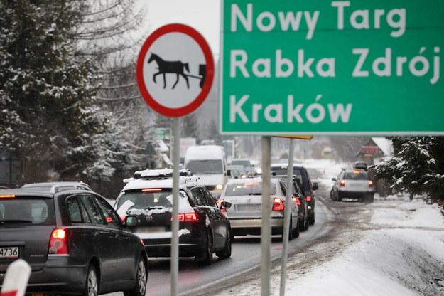 Wzmożony ruch na zakopiance w Zakopanem / Grzegorz Momot    /PAP