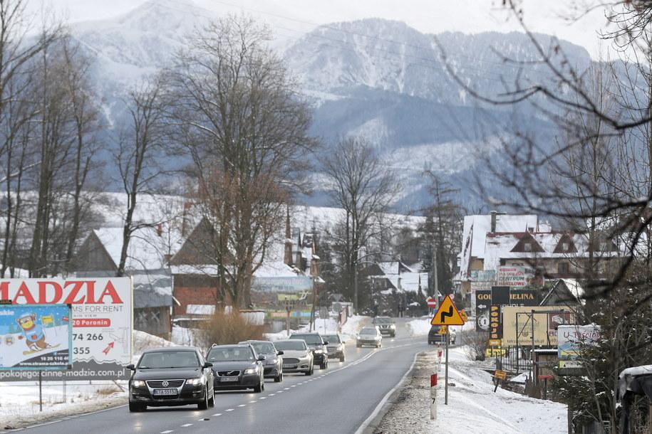 Wzmożony ruch samochodowy na zakopiance / Grzegorz Momot    /PAP