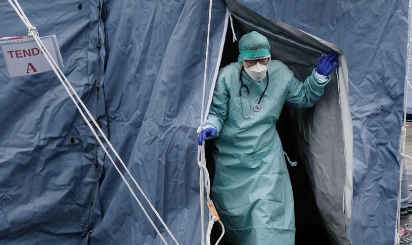 Wzrasta liczba ofiar śmiertelnych koronawirusa we Włoszech /FILIPPO VENEZIA /PAP/EPA