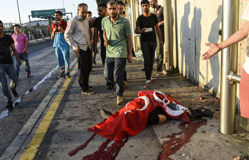 Wzrosła liczba ofiar nieudanego zamachu stanu w Turcji /AFP