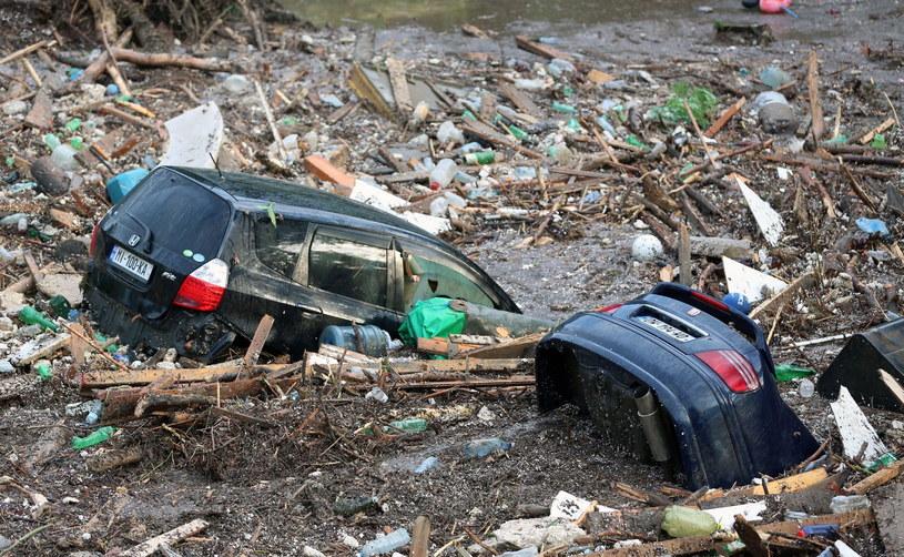 Wzrosła liczba ofiar powodzi w Gruzji /PAP/EPA