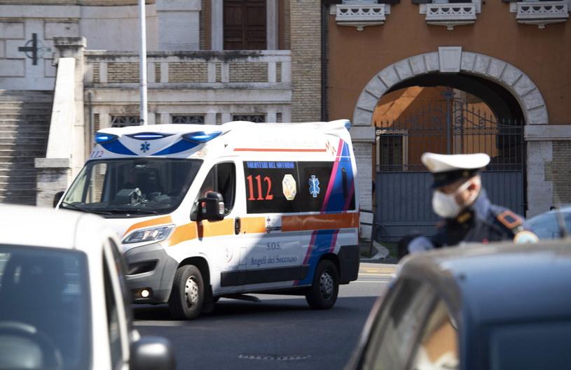 Wzrosła liczba ofiar śmiertelnych we Włoszech /MAURIZIO BRAMBATTI /PAP/EPA