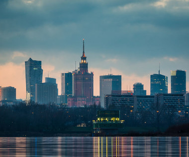 Wzrosną opłaty za parkowanie w Warszawie. 1200 zł za drugi samochód