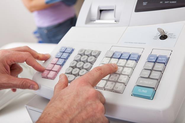 Wzrośnie też kwota refundacji zakupu kasy z 700 zł do 1000 zł /©123RF/PICSEL