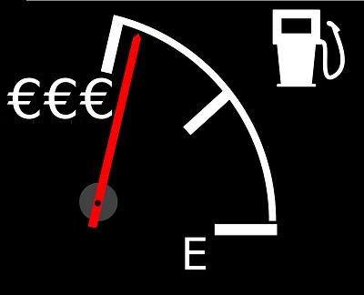 Wzrost cen paliw jest bardziej odczuwalny dla Polaka niż dla Niemca /©123RF/PICSEL