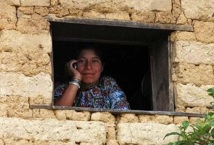 Wzrost przestępczości zmusił władze Meksyku do wprowadzenia nowych przepisów telekomunikacyjnych /AFP