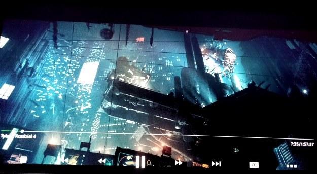 """Xbox One to także odtwarzacz płyt Blu-ray (również w wersji 3D) - na zdjęciu kadr z filmu """"Łowca Androidów"""" /INTERIA.PL"""