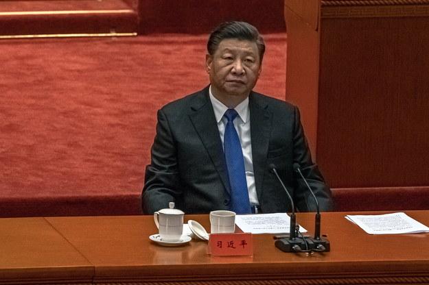 Xi Jinping przemawiał w sobotę w Wielkiej Hali Ludowej w Pekinie /ROMAN PILIPEY /PAP/EPA