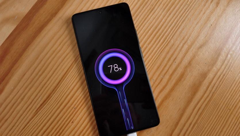 Xiaomi 11T Pro - ładuje się z prędkością błyskawicy