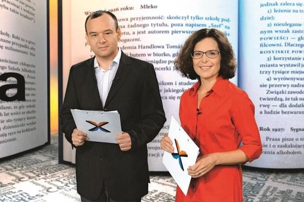 """"""" Xięgarnię"""" prowadzą  Agata Passent i Mariusz Cieślik. Program przybliża widzom najnowszą literaturę polską i zagraniczną. /Mat. Prasowe"""