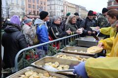 XXIII wigilia dla bezdomnych i potrzebujących na Rynku Głównym w Krakowie!