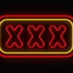 XXX - pierwsze pół roku sex-domen w Polsce