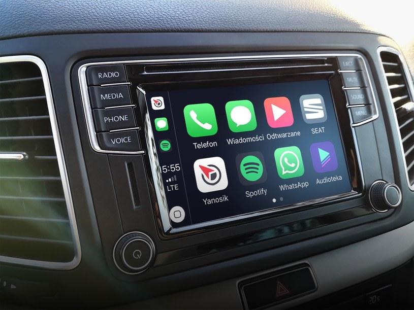 Yanosik dostępny w Apple CarPlay /materiały prasowe