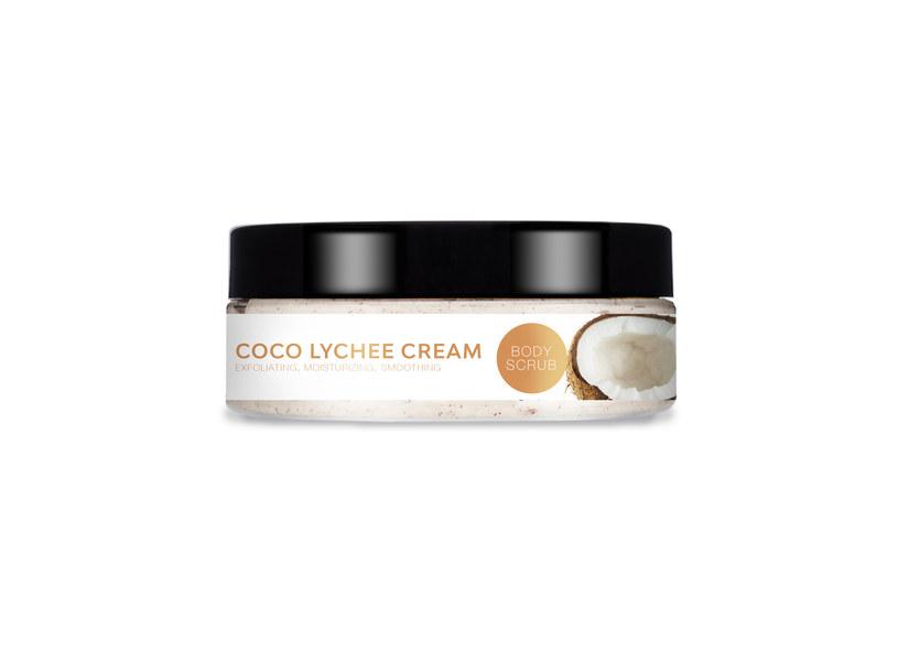 YASUMI Coco Lychee Cream - kokosowy peeling do ciała z pestkami liczi /INTERIA/materiały prasowe