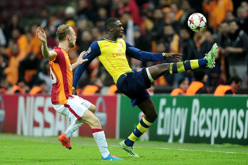 Yaya Sanogo (z prawej) tu jeszcze w barwach Arsenalu /AFP