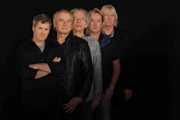 Yes jeszcze z Benoit Davidem (pierwszy z lewej) /Oficjalna strona zespołu