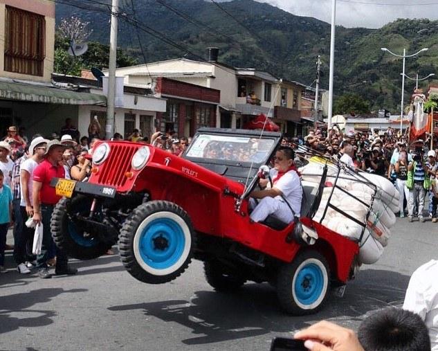 Yipao - tak w Kolumbii czci się stare, wojskowe Jeepy-Willysy /Instagram /materiały prasowe