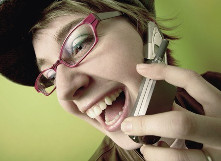 Z 22 przebadanych telefonów, w prawie połowie stwierdzono zawartosć niklu /ThetaXstock
