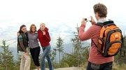 Z aparatem na turystycznych ścieżkach