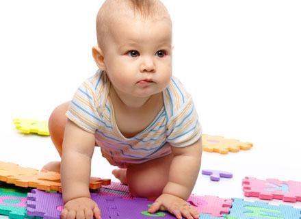 Z biegiem czasu maluchy uczą się wczuwać w emocje innych osób /© Panthermedia