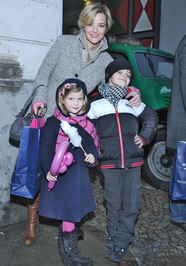 Z córką i synem, fot.Andras Szilagyi  /MWMedia
