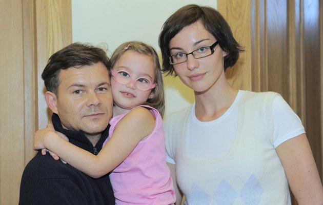 Z córką Marysią i partnerką Mają Hirsch, fot. Michał Wargin  /East News