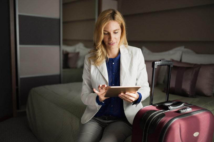 Z hoteli mimo obostrzeń, może korzystać ponad 40 grup zawodowych i społecznych /123RF/PICSEL