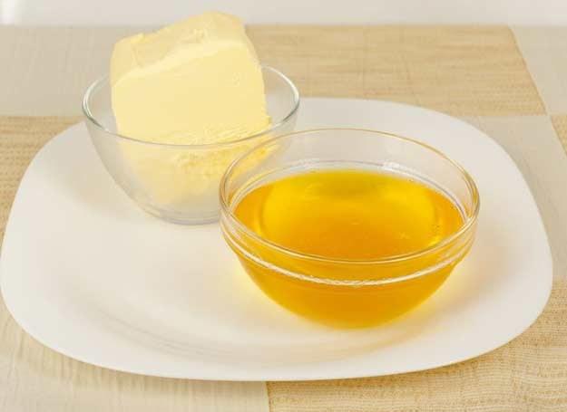 Z kilograma niesolonego masła (82 proc.) uzyskujemy ok. 700 g sklarowanego masła /123RF/PICSEL