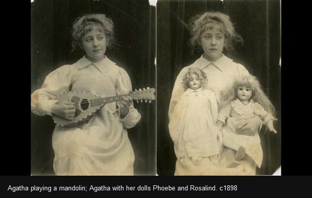 Z lewej: Agatha Christie gra na mandolinie. Z prawej: przyszła pisarka z lalkami Phoebe i Rosalind /bbc.com /Sztukatulka.pl