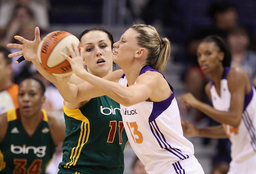 Z lewej Ewelina Kobryn /AFP