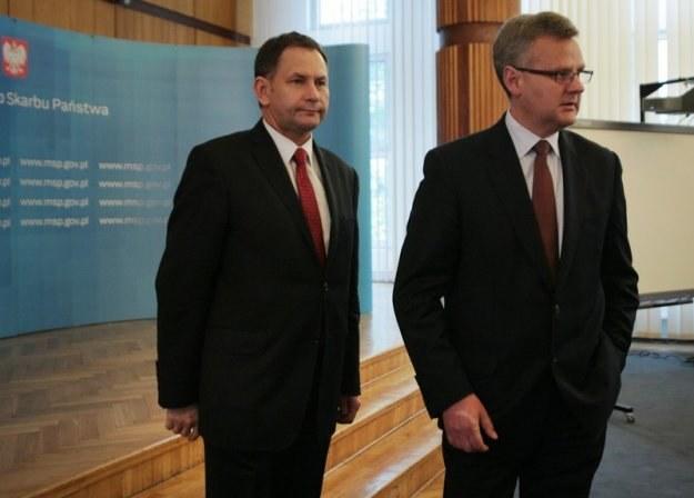 Z lewej prezes Tauronu Dariusz Lubera, z prawej minister Aleksander Grad. Fot. Jacek Waszkiewicz /Reporter