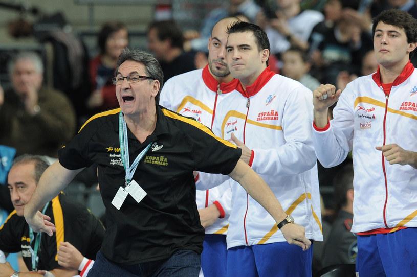 Z lewej trener Valero Rivera /AFP