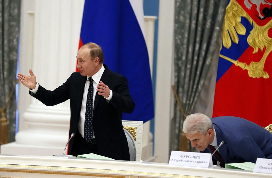 Z lewej: Władimir Putin /Sergei Ilnitsky /PAP/EPA