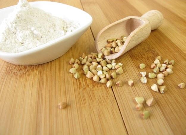 Z mąki gryczanej przygotujesz pyszny staropolski deser /123RF/PICSEL