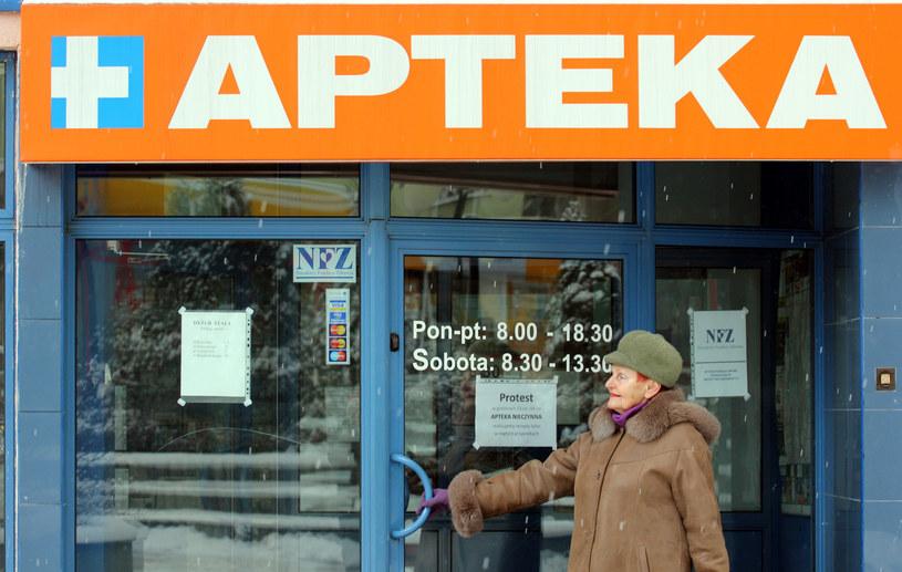 Z mapy Polski zniknęło ponad tysiąc placówek aptecznych /Artur Barbarowski /Agencja SE/East News